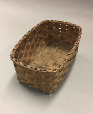 3 quarters top view of rectangular basket